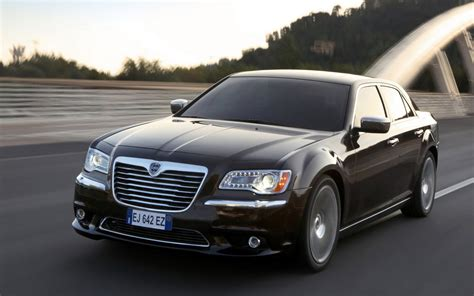 Auto Lancia Lancia Thema Wallpapers And Images Wallpapers Pictures