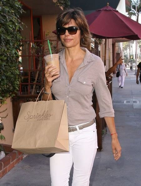 how does lisa rinna stay skinny lisa rinna photos photos lisa rinna goes cupcake