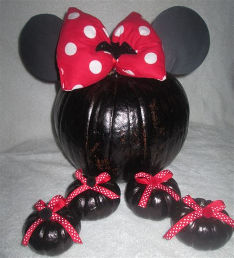 Handmade Minnie Mouse Decorations - minnie mouse cake ideas and designs