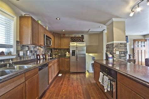 tri level home kitchen design 25 best ideas about tri level remodel on pinterest tri