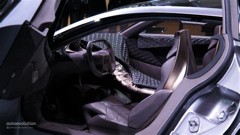 ds survolt interior design unleashed citroen divine ds concept premiers at