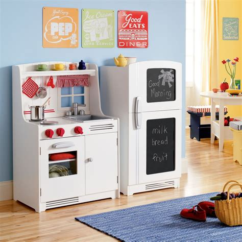 Best Play Kitchen by The Land Of Nod Giveaway