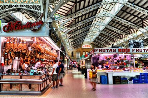 Natural Light by Mercado Central Valencia