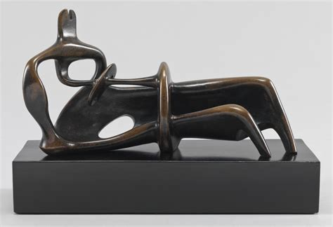 moore reclining figure henry moore om ch reclining figure 1939 cast 1959