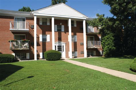 Carriage House Apartments by Carriage House Apartments Newtown Square Pa Apartment