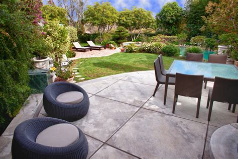 25 Concrete Patio Outdoor Designs Decorating Ideas Concrete Patio Ideas Backyard