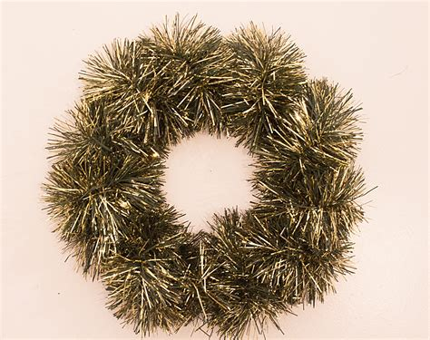 tinsel wreath diy trix trumpet