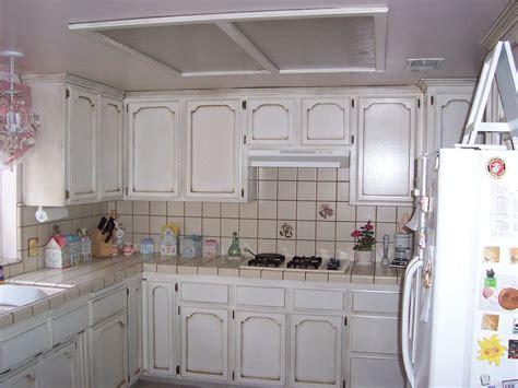 antique finish kitchen cabinets antique finish on kitchen cabinets antique paint design