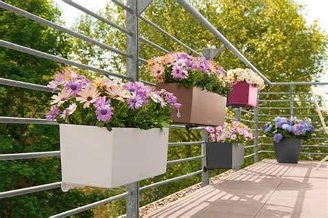 arredare un terrazzo fai da te le 5 idee per arredare un piccolo balcone deabyday tv