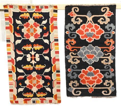tappeti tibetani antichi lotto di due tappeti tibetani inizio xx secolo