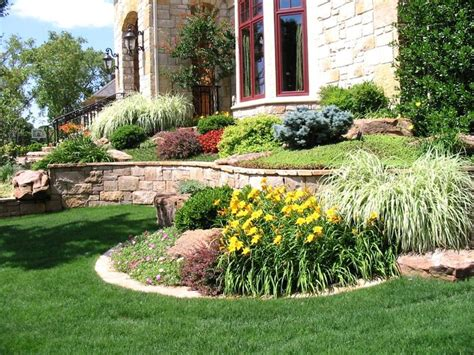 Landscaping Ideas For Backyard Corner by 17 Best Ideas About Corner Landscaping On
