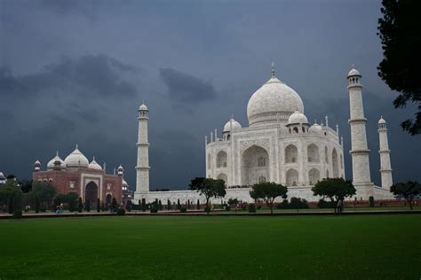 taj mahal a history from beginning to present books tourism news tajmahal
