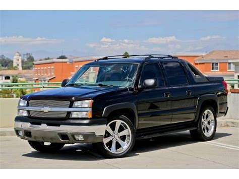 chevrolet avalanche 2004 2004 chevrolet avalanche information and photos momentcar
