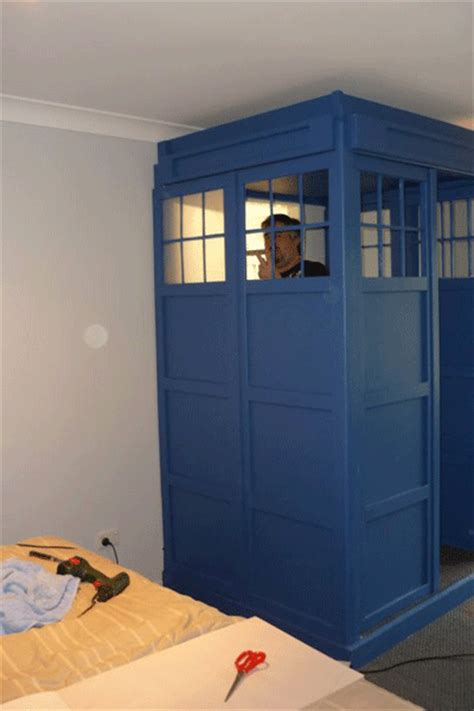 tardis bedroom doctor who thing of the day guy built a tardis in his