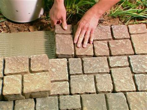 apply thinset mortar to outside finished edge