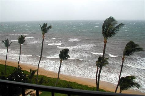 The View 20 Day Vacation Giveaway - hawaii in contrasts sunny vs stormy day go visit hawaii