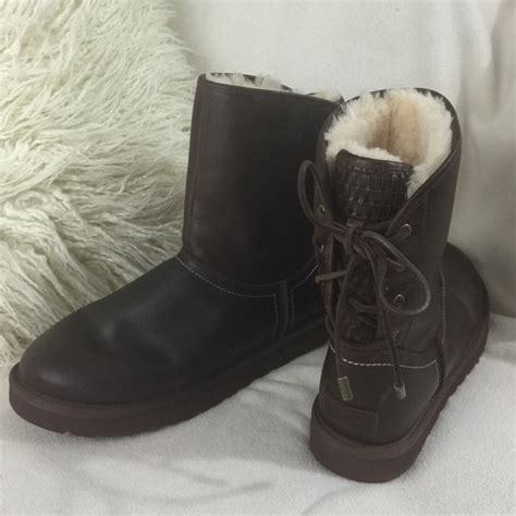 52 ugg shoes ugg brown distressed leather back lace