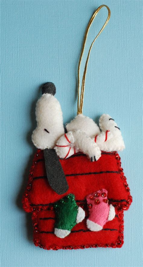 snoopy felt ornaments ornaments ideas mom and snoopy