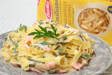 come cucinare gli asparagi bolliti tagliatelle asparagi e salmone ricetta leggera e golosa