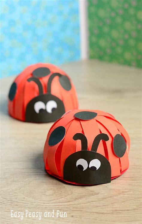 How To Make A Ladybug Out Of Paper - paper ladybug craft easy peasy and