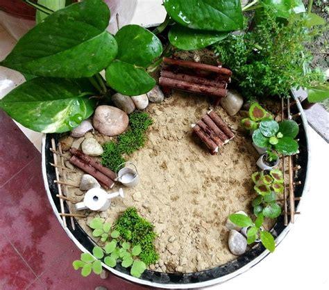 diy miniature garden     garden terrarium
