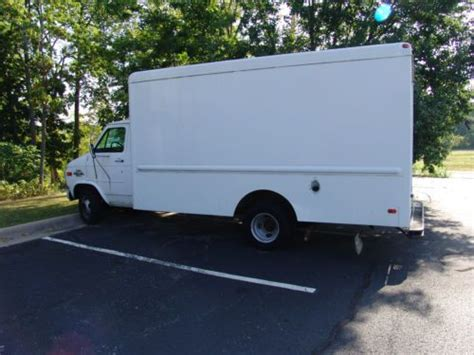 purchase used 1995 chevy g30 box in branson missouri