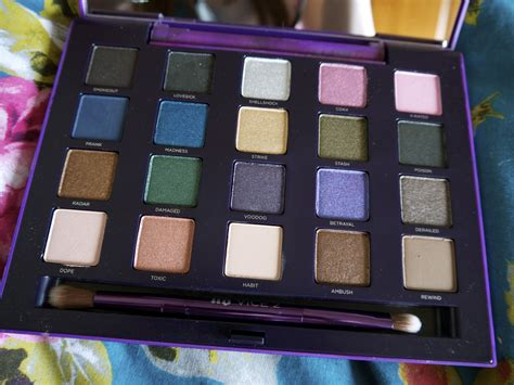 urban decay vice 2 eyeshadow palette review swatches urban decay vice 2 palette swatches and review a