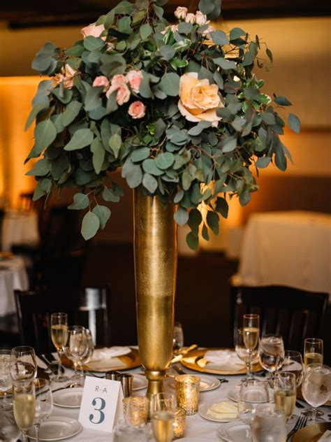 Gold Vase Wedding Centerpiece by 25 Best Ideas About Gold Vase Centerpieces On