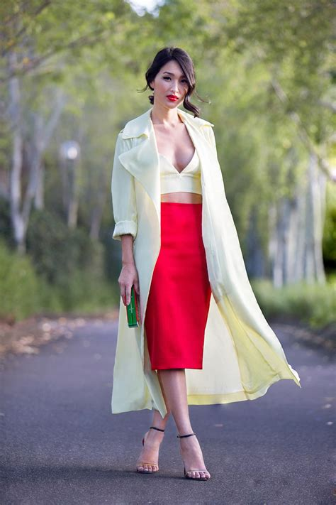 what color tops to wear with a skirt fashion