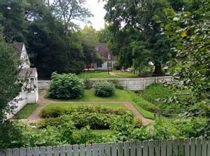 colonial williamsburg gardens pictures to pin on