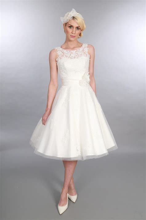 Brautkleider Nähen by Anara Lace Tea Length Wedding Dress From Timeless Chic