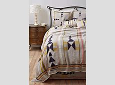 33 Boho Chic And Gypsy Inspired Bedding Ideas - DigsDigs Tribal Print Pattern Black And White