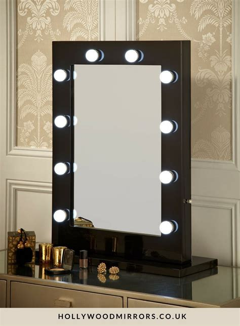 Vanity Table Lights Around Mirror by 25 Best Ideas About Mirror With Lights On