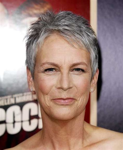 extremely short hair cuts for women with gray hair over 50 years old capelli corti e grigi 20 tendenze tutte da guardare