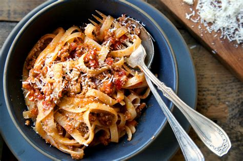 best pasta for bolognese sauce bolognese sauce recipe dishmaps