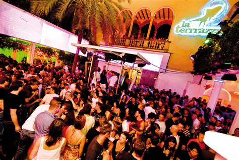 top bars in barcelona the best clubs in barcelona
