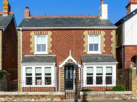 modwena yarmouth south of england self catering