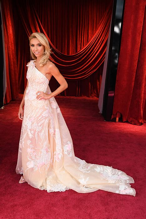 a fashion experts guide to the oscars red carpet video the oscars 2018 best dressed photo 2
