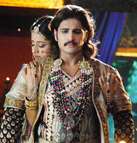 review of jodha akbar it s me and me all the way pix jodha akbar couple finally make love rediff com movies