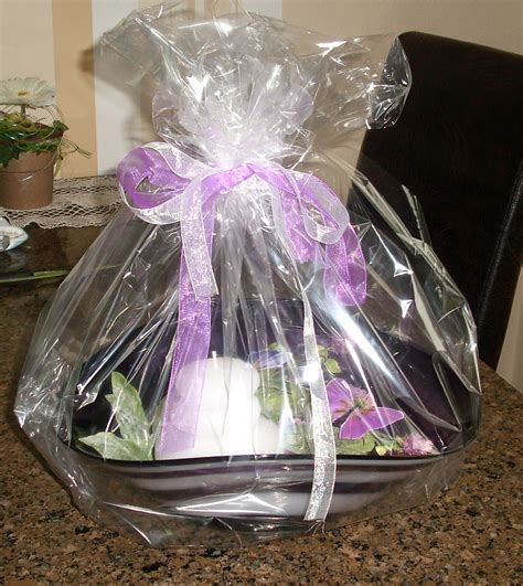 Geschenk Mit Klarsichtfolie Einpacken Millischinka Verschenken Dekotipp
