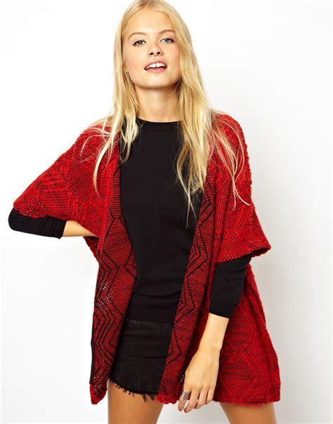 confeccionate un kimono para el otono lovely and creatiful view todo al rojo asos sin categor 237 a asos blog de moda online