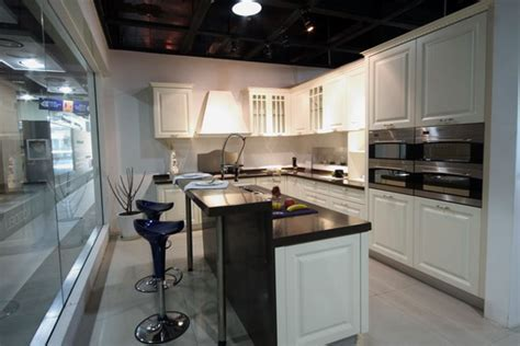 Appealing European Style Kitchen Cabinets 2016