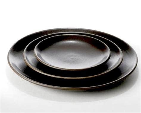 Plate For Black 10 easy pieces black dinner plates remodelista