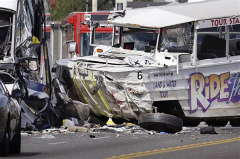 duck boat wreck ride the duck crash accident wreck seattle daily star