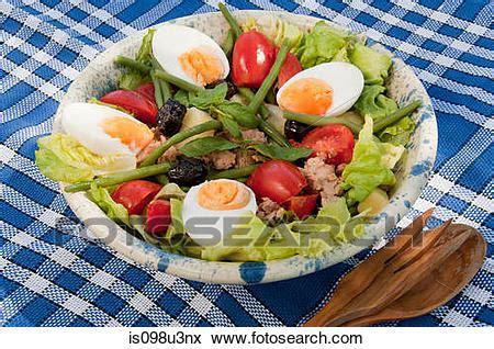 küche quadratische footage bild nicoise salat is098u3nx suche stockfotografie