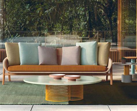 divani in vimini da giardino vimini kettal arredi da giardino divani e poltrone
