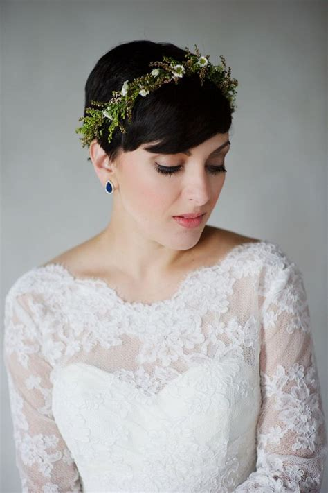 pixie wedding hairstyles 26 short wedding hairstyles and ways to accessorize them