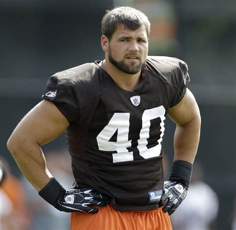 Country House Style nfl running back peyton hillis puts his rural ranch on the