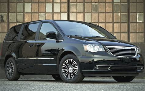 recalls on 2010 chrysler town and country chrysler town country dodge grand caravan recalled