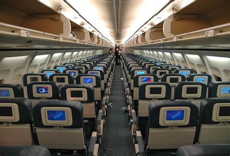 Thomson 757 Cabin by самолет Boeing 757 300 фото схема салона отзывы
